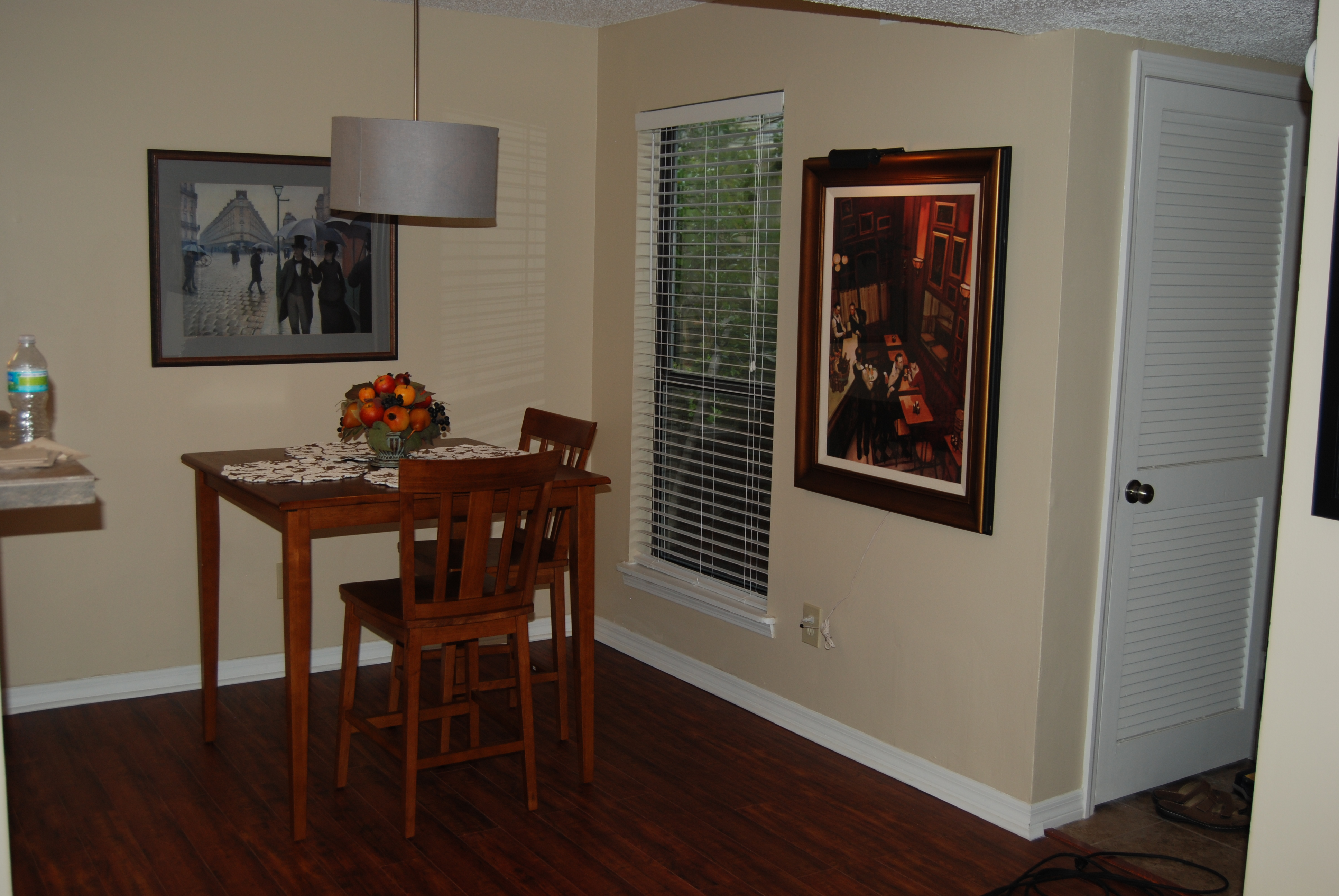 Short Term Housing - The Dinning Room